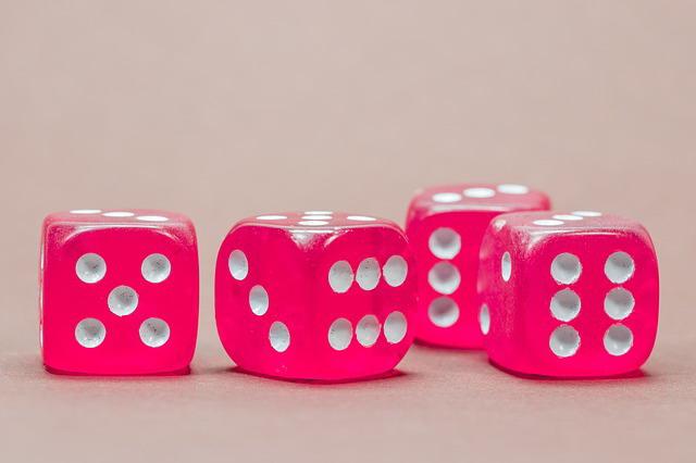 cube-568192_640 Wer haftet bei Empfehlungen?