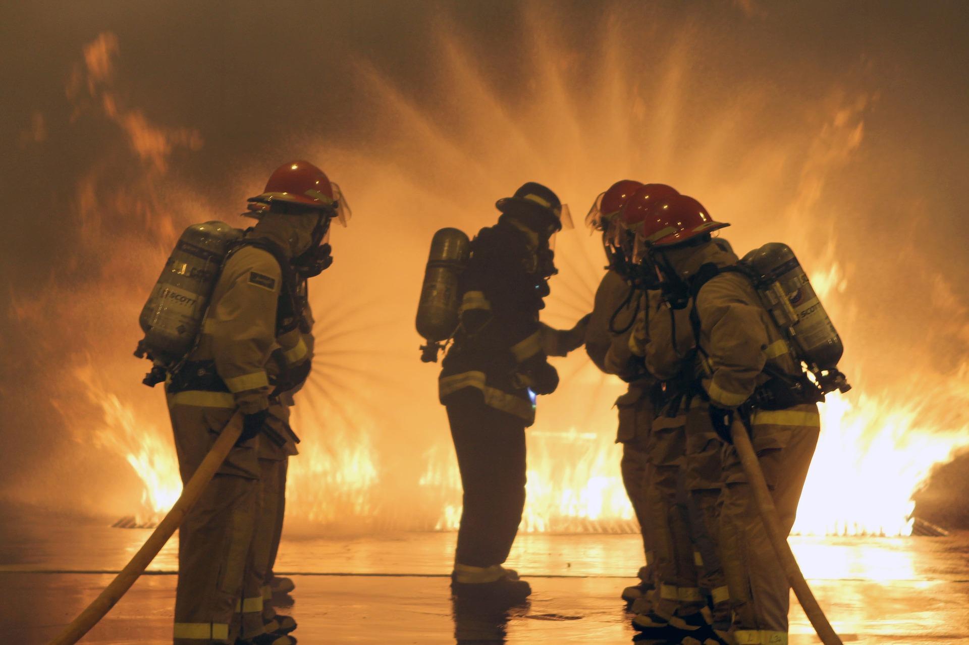 firefighters-664997_1920 Beamte & Krankenversicherung