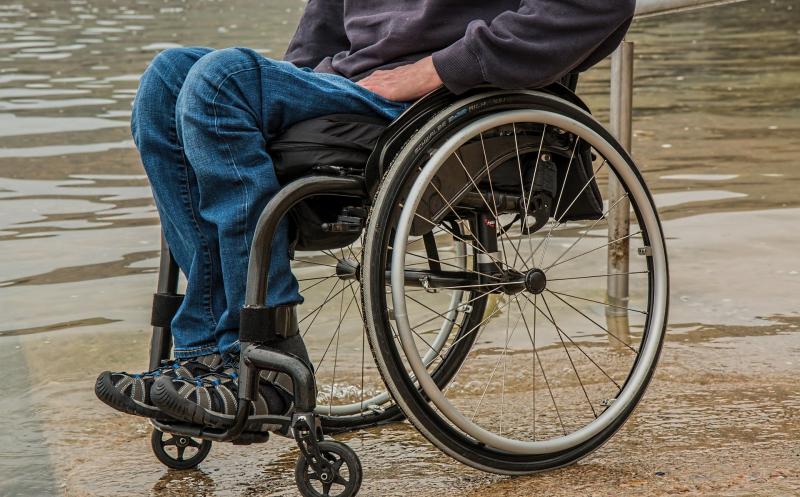 wheelchair-1595794_1920-oued6zyrsx16tcyhj2uad5t5f64zr6x594vezxbo16 Tagegeld / Verdienstausfall